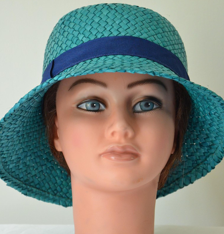 cloche-paille-turquoise-élégant-mariage-chic