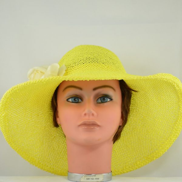 capeline-paille-jaune-crochet-fleur-tissu (1)