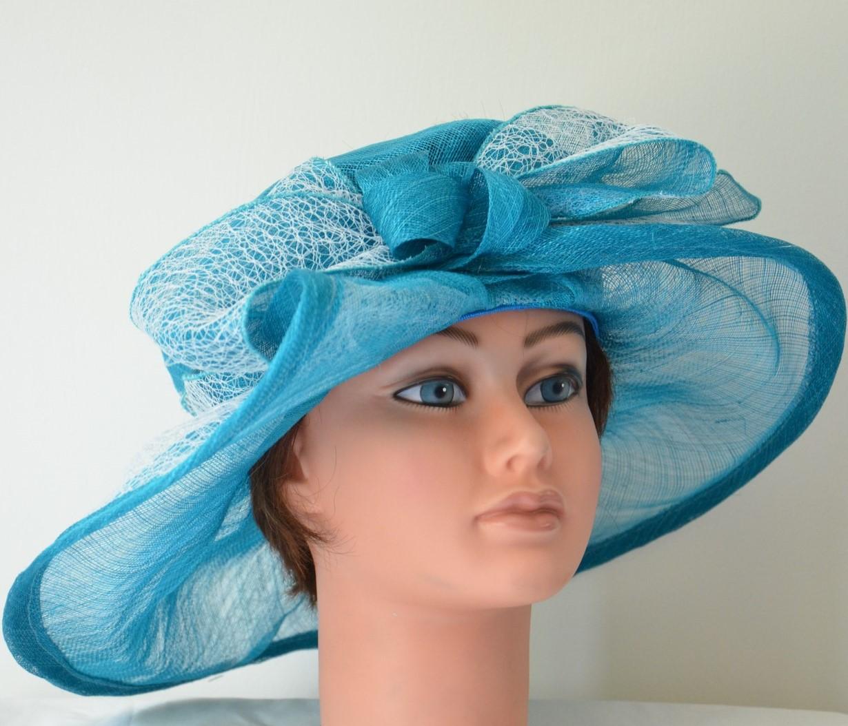 capeline-turquoise-dentelle-chic-beau-chapeau