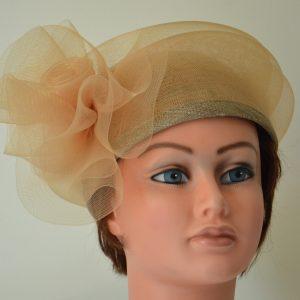 toque-sisal-crin-elegant-ceremonie-mariage-cortege-français-chapeau-elegant-chatenoy-le-rayal-création