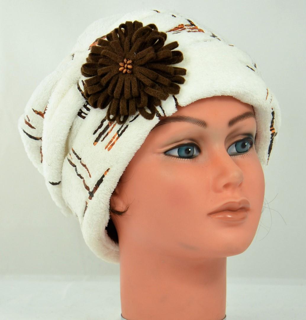 beau-bonnet-hiver-doudoud-blanc-marron-fleur-broche-amovible