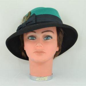 chapeaufeutrefemmeplumes (2) (Copier)